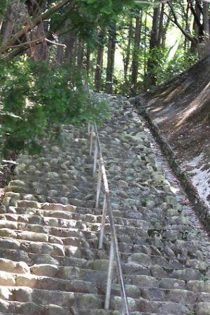 千早城址へ上がる階段